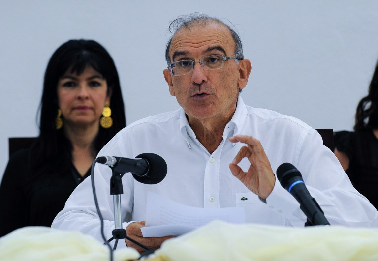 The head of the Colombian delegation for peace talks Humberto de la Calle delivers a press conference in Havana, on July 12, 2015. The Colombian government reached a historic agreement Sunday with leftist FARC guerrillas to de-escalate the decades-long armed conflict, diplomats in Havana said. AFP PHOTO/YAMIL LAGE