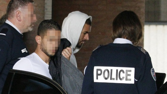 "ALTERNATIVE CROP Real Madrid's French striker Karim Benzema leaves the court house in Versailles, near Paris, on November 5, 2015. Real Madrid striker Karim Benzema has admitted involvement in an alleged extortion case over a sex tape featuring fellow French international Mathieu Valbuena and appeared before judge today, legal sources said. The 27-year-old star told investigators he approached Valbuena about the tape on behalf of ""a childhood friend.""  AFP PHOTO / MATTHIEU ALEXANDRE"