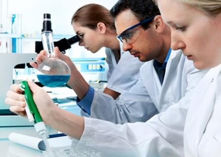 cientificos2-448x318
