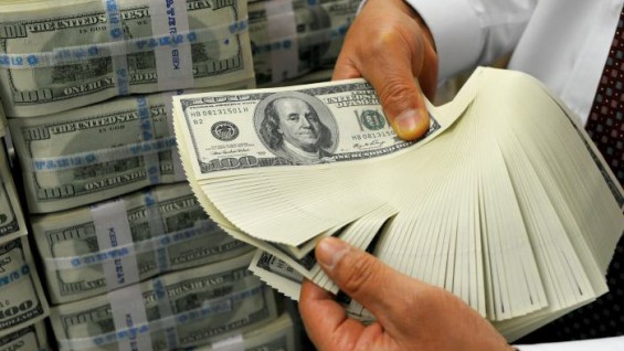 Dolares-efectivo-economia-565x318