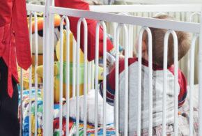 """Proyecto de ley salvaría a 127.000 niños """"atrapados"""" en el ICBF"""