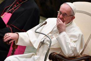 """Papa Francisco reprochó el """"amor a la cosa sucia"""" de los medios"""